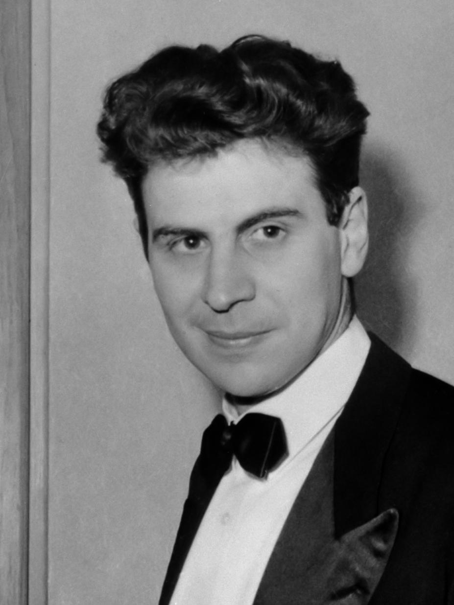 Theodorakis, Griekse componist, nog steeds gevangen gehouden in Griekenland (in Parijs archief) / Documentnummer: 920-7047/ Fotograaf: ANEFO / Anefo *14 september 1967